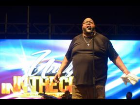 Fred Hammond performs at Unity in the City.