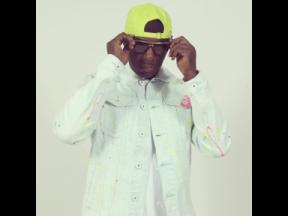 Mr Easy is best known for the 2001 song 'Drive Me Crazy' on Tony Kelly's big bad Buy Out 'riddim'