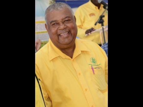 JAS President Lenworth Fulton