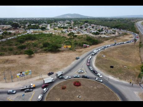 A heavily congested Municipal Boulevard in Portmore on Wednesday, April 15, the first day of the COVID-19 St Catherine lockdown implemented by the Government.