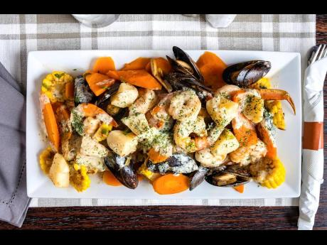 Dive right into this mouthwatering seafood platter!