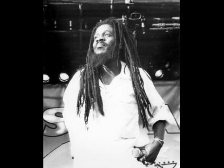 The 64th birthday anniversary of reggae legend Dennis Brown is today. Brown is one of the artistes whose unheard and unreleased songs are included in Studio 17's archives.