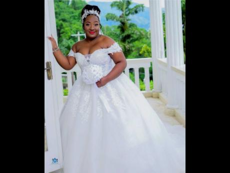 The plus sized diva felt like the belle of her wedding ball on this shiny off the shoulder luxury ballgown with a one metre train. She also received the veil, hair jewellery and booked the glam makeup.