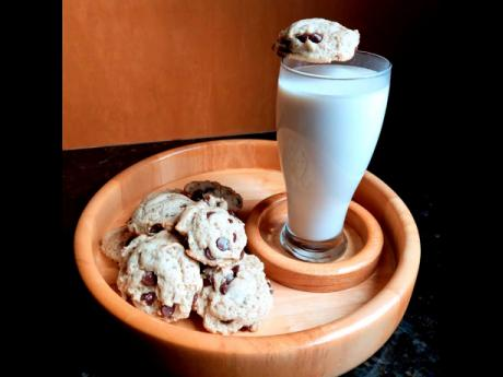 If you're up for a tasty snack, then these vegan chocolate chip cookies and oat milk are just for you.