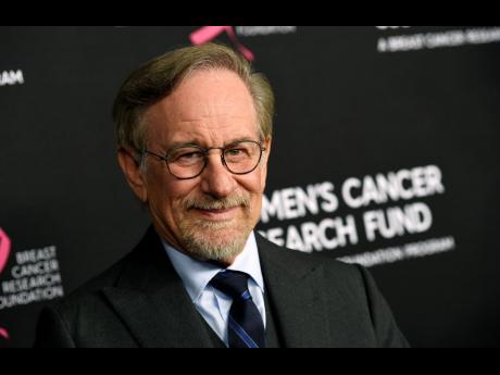 Film-maker Steven Spielberg will donate his US$1 million Genesis Prize to 10 non-profits.