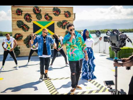 Sean Paul , Shaggy and Spice performed on 'Good Morning America' last Friday with their team of dancers.