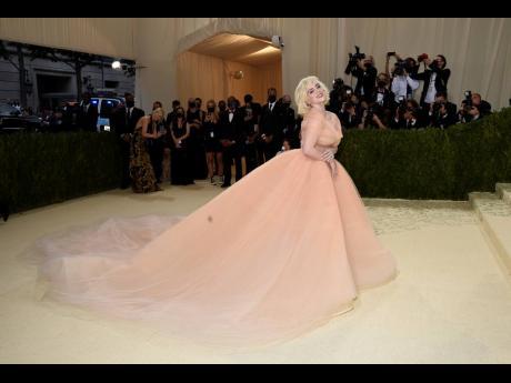 Billie Eilish wore Oscar de la Renta.