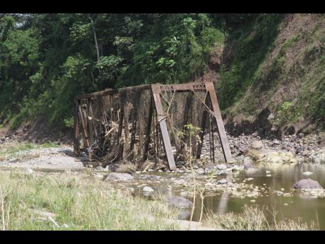 The Dam Head bridge, Clarendon.