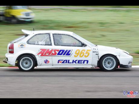 James Ince pushing his naturally aspirated Honda Civic to its limit at the Jamwest Raceway.