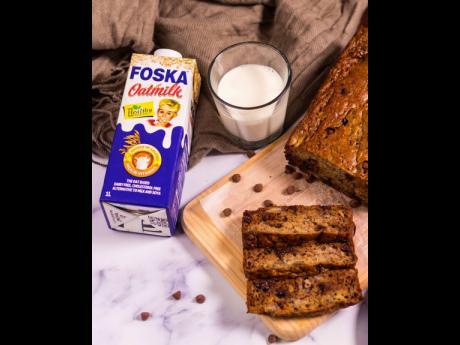 Chocolate chip banana bread using Foska Oatmilk.